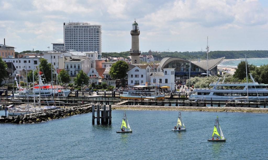 Hotel Neptun, Leuchtturm und Teepott