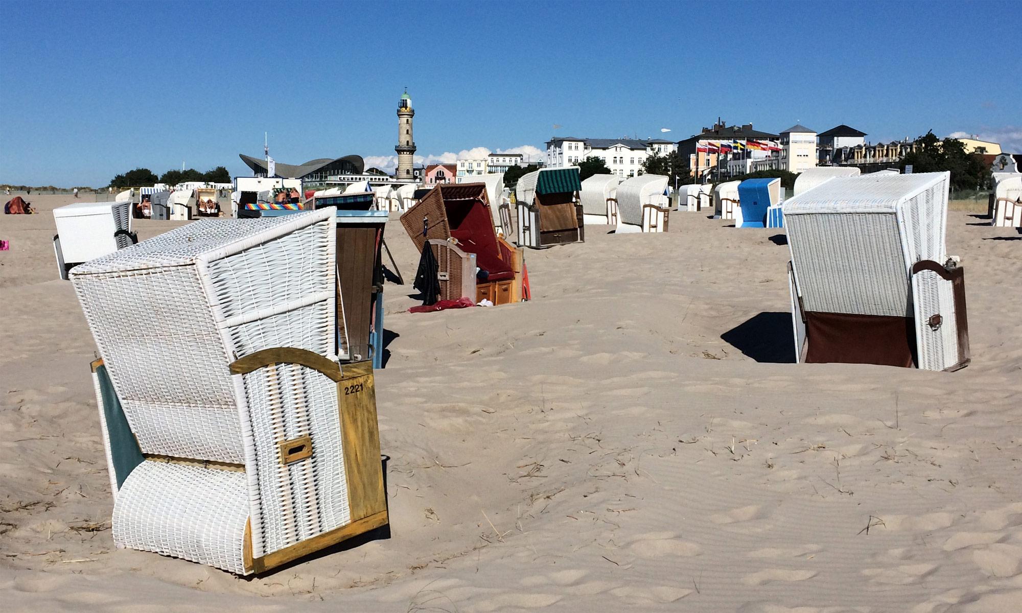 Warnemünde Strand mit Strandkörben